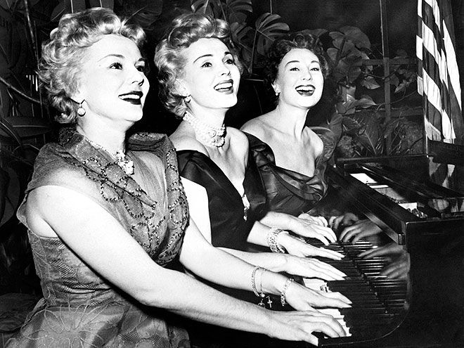 SINGING SISTERS photo | Eva Gabor, Zsa Zsa Gabor