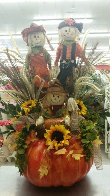 Large scarecrow pumpkin by A.Hood @ 9526