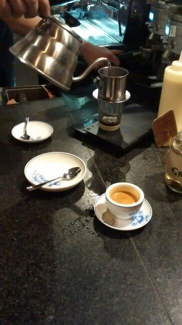 QUA PHE, Mitte - Vietnamese way of celebrating coffee...