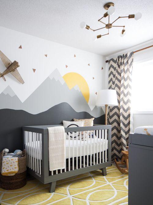 Inspiration pour une petite chambre de bébé neutre traditionnelle avec un mur multicolore