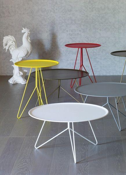 Design:  Giopato e coombes. Tavolini in metallo adatti anche all'impiego outdoor.