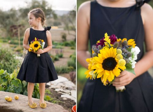 @Eryka Panic Love this bouquet. And the dress for a little girl, actually. Just all over cute and great idea.