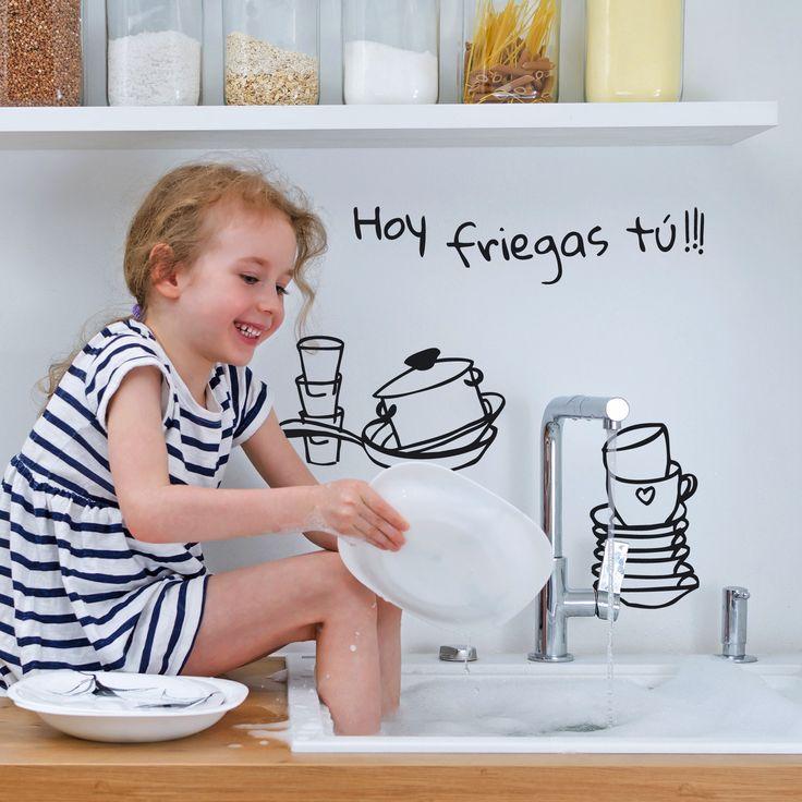 Después de las comilonas de estos días...toca fregar los platos y poner la cocina en orden...pero...hoy te toca a ti ;) Encuentra más vinilos en www.ubikavinilo.com