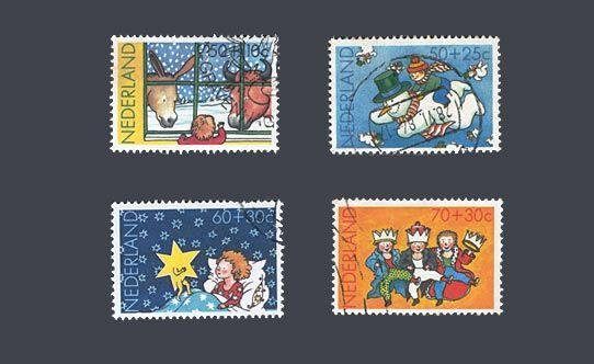 """De kinderpostzegels uit 1983 met het thema """"Kind en kerst"""". Ontwerp: J. Roelofsz"""