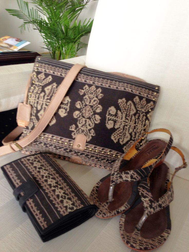 Luv my DAMAR Postman Bag, CIREBON Wedges & JIMBARAN Wallet in Vintage Tenun Sabu NTT