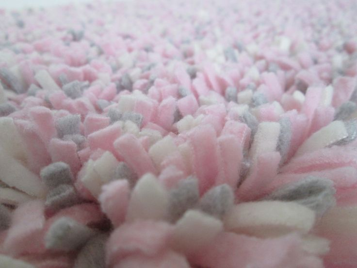 Pink Rug Fleece Nursery Baby Gray Cream Gy Latch Hook Photo Prop Crib 15 X 25 Washable
