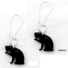 Boucles chat en plexiglass noir découpe laser *