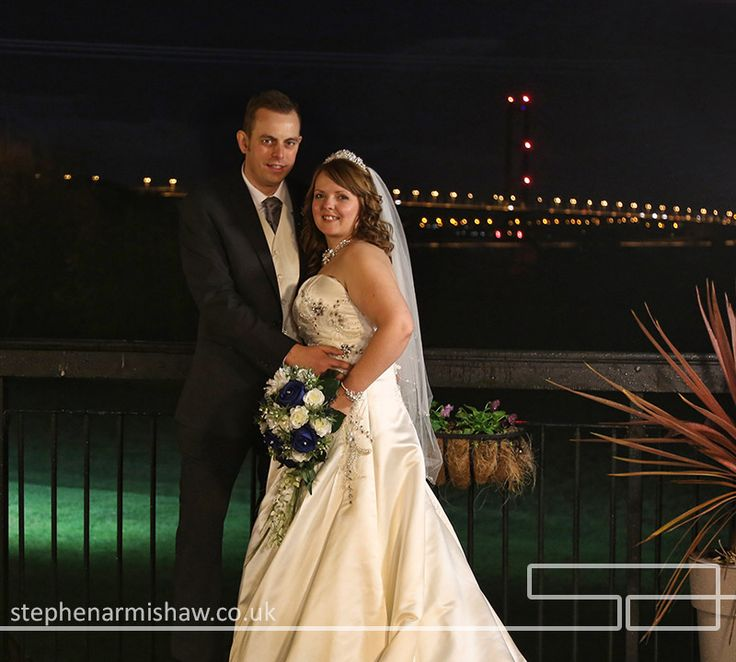 Stunning Evening Wedding Photography At The Hallmark Hull By Leading Photographer Stephen Armishaw Of Beverley Ferriby