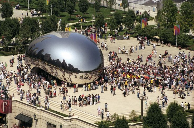 Anish Kapoor's Cloud Gate, 2004