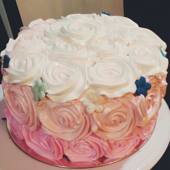 boiled icing wedding cake pink ombre cake vanilla chiffon with boiled icing 12088