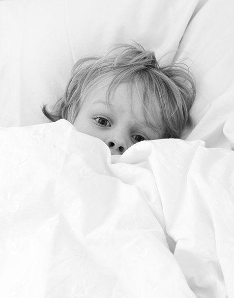 Er det normalt for en 8-årig dreng at være bange og ked af det ved sengetid over ting som Ebola-virus, drivhuseffekten, smeltende poler og andre uhåndgribelige spørgsmål?