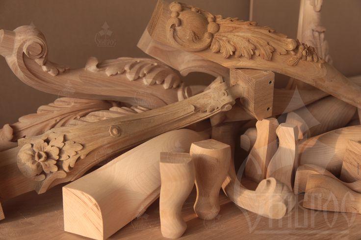 Резные мебельные ножки из дерева. #декор #резьба Carved furniture legs made from wood. #decor #wooden #design