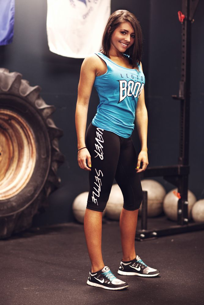 Cali is rocking our new Never Settle ladies capri workout pants. Knee-length and great for both the gym and every day wear! #1stphorm #legionofboom #neversettle #fitness #gym #apparel #leggings