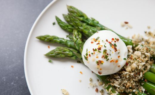 #Epicure Asparagus with Poached Eggs and Herb & Garlic Breadcrumbs
