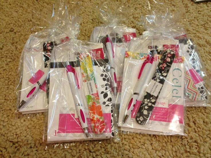 Packets to have in mobile office for handing out to prospective hostesses/clients/etc. http://charmasi.jamberrynails.net