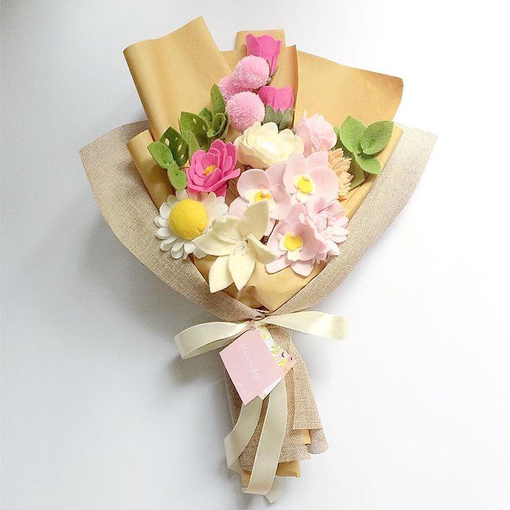 Spot the pink orchid! In this picture : Large Bouquet with gardernia, gerberra daisy , daisy , orchid , blossom , tulip , lily , cehrysanthemums, wide rose . . . #BuyDifferently #calledtobecreative #craftsposure #crafttherainbow #creativelifehappylife #creativityfound #etsy #favehandmade #handcrafted #handmadegifts #handmadewithlove #HandsAndHustle #homeinthestudio #madebyhand #makelivesell #makersgonnamake #makersgunnamake #makersmovement #MyCreativeBiz#thenativecreative #helloimhandmade…