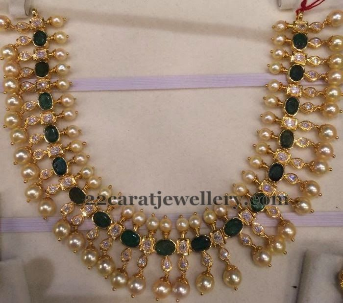 Jewellery Designs: Emerald Pearls Set 35gms