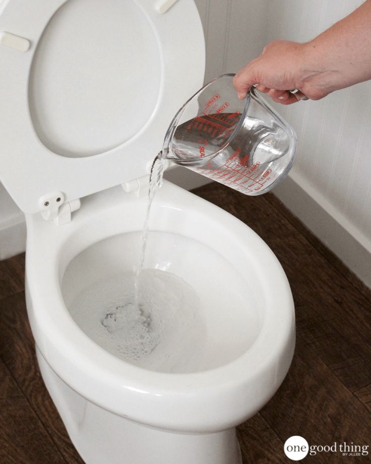 Clear Out Clogs Easily With These Super Simple Toilet