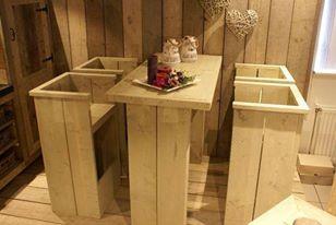 steigerhouten meubelen bartafel met 4 barkrukken. maatwerk mogelijk