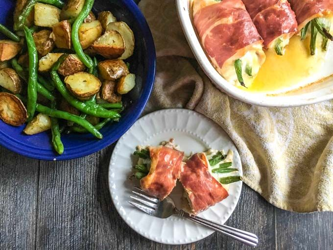 Prosciutto Wrapped Chicken Bundles - easy low carb dinner with only 3.7g net carbs!
