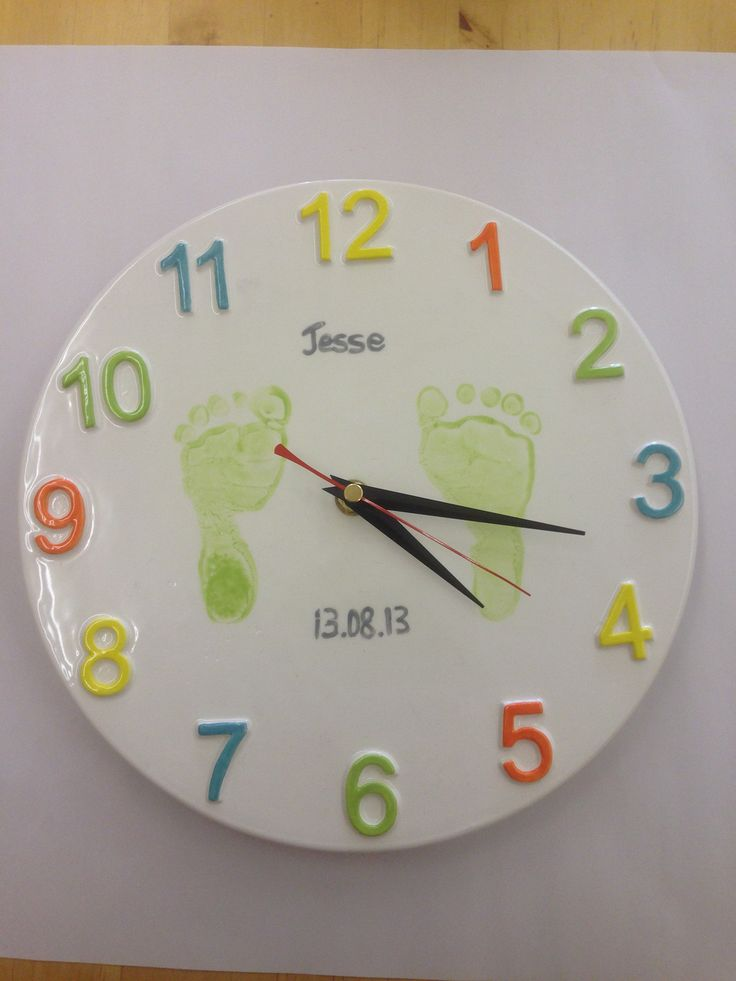 A Clock painted at The Crafty Cafe