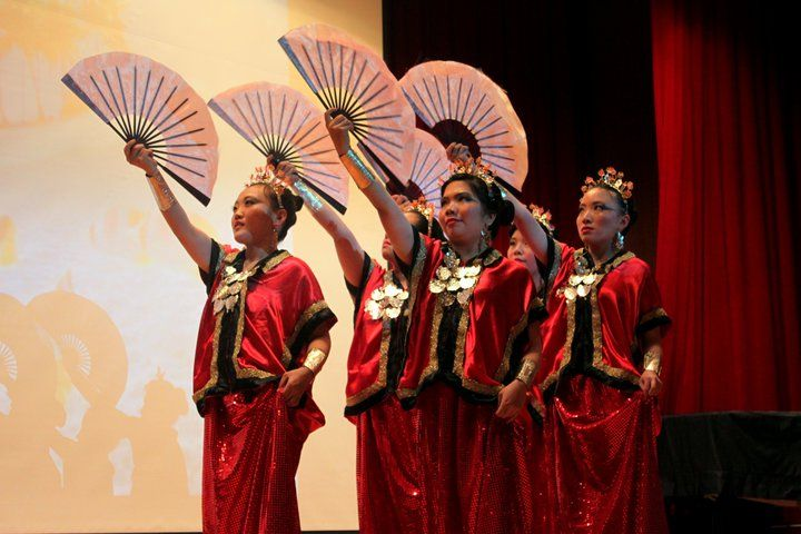 Pakarena dance from South Sulawesi, Indonesia #PINdonesia