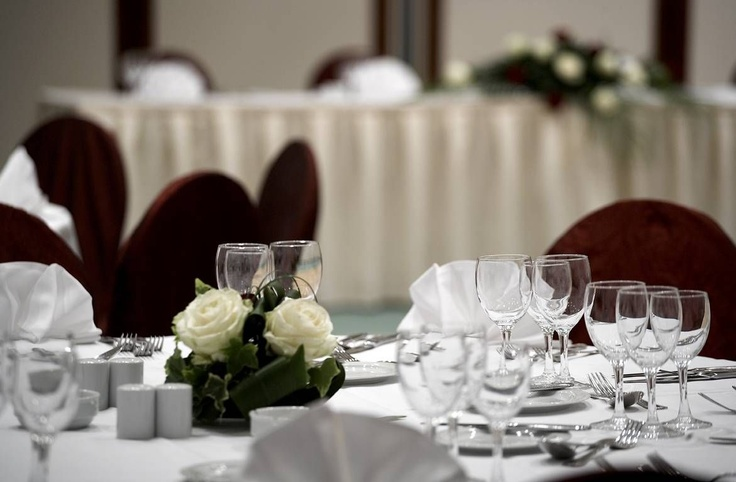 Wedding table detail at the Athenee Palace Hilton Bucharest