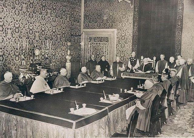 Ceremonia y rúbrica de la Iglesia española - Palacio Apostólico Vaticano - Curiosidades vaticanas