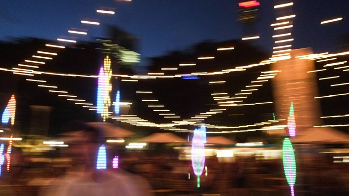 A customised spinning cup, the HondaTrope was surrounded by 24 light poles fitted with 4,320 LEDs. Seating up to three at a time, riders spun the cup using a Honda steering wheel. When the cup reached maximum speed, the light poles slowly revealed a hidden garden - seen only by those sitting in the HondaTrope.