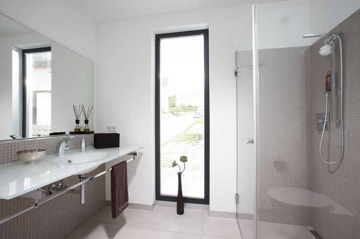 17 besten einfamilienhaus exklusiver ausblick hanghaus bilder auf pinterest ausblick. Black Bedroom Furniture Sets. Home Design Ideas