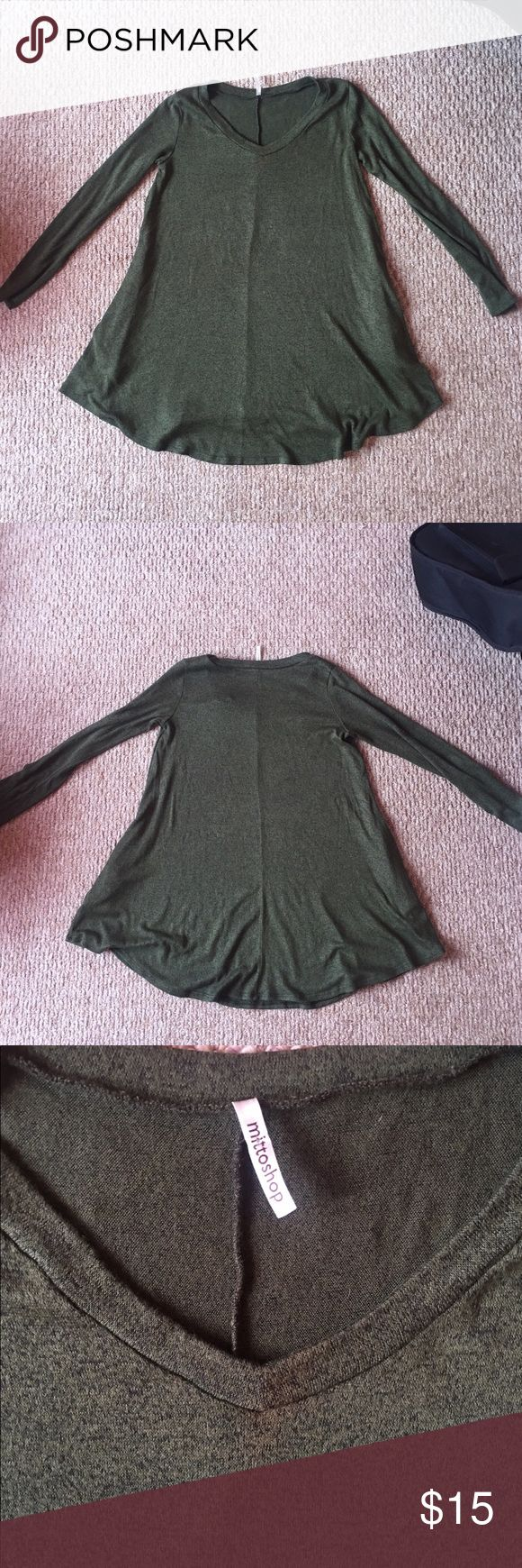 """Long Sleeve Green Sweater Dress ***NOT H&M ONLY PUT THAT FOR EXPOSURE!!*** bought this at Val's Boutique in Knoxville, TN! LOVED IT! SOOO COMFY AND STRETCHY! Has pockets!❤️ women's size Large with sweater material. Brand says """"Mittoshop"""". Worn about 4 times & has small very unnoticeable makeup stain in the front where the neckline is as shown in 3rd picture. Great condition! Accepting all reasonable offers! H&M Dresses Long Sleeve"""