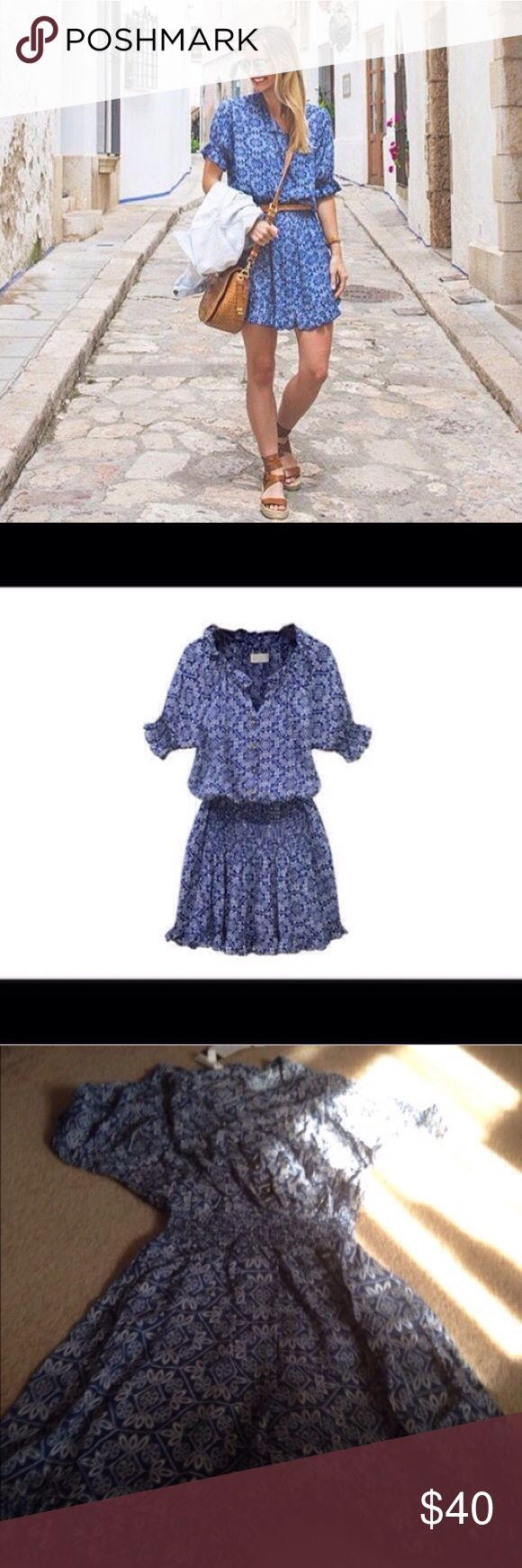 New Listing! NWT blue floral print dress NWT blue floral print dress size Medium. Last five images of the actual item for sale. Boutique brand is Favo Look. Can be a mini or midi dress length depending on your height. Like the item but not the price? Just make an offer and plz don't haggle in the comments section. Boutique Dresses Mini