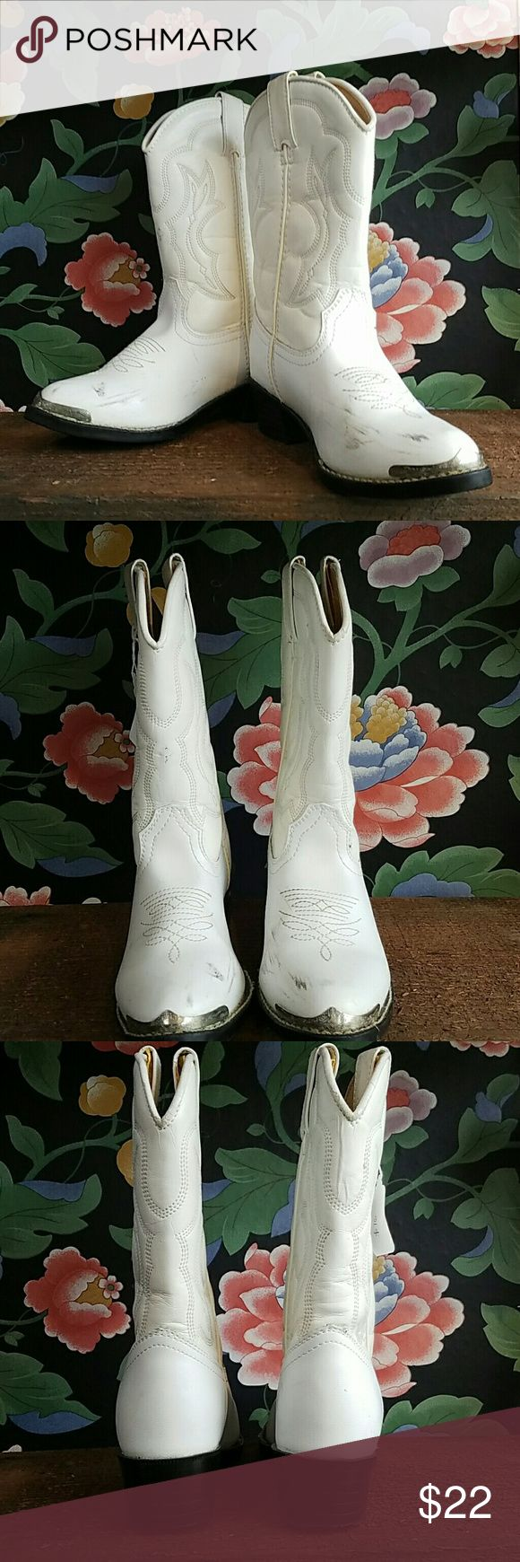 Kids Western Boots Great pair of Durango kids boots. Great condition with some black markings on the toes. Size 12D. Durango Shoes Boots