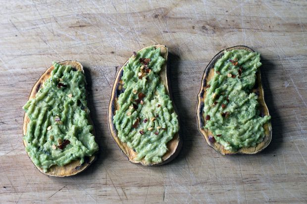 It might not be a slice of sourdough but sweet potatoes are pretty tasty. Plus, you get the benefit of knowing you're scoffing something healthy.    There are a couple of things you need to get right before you start so be sure to follow our guide below.    Here's how to make sweet potato toast.