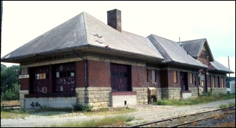 Rock Island Depot, Faribault (1977 b/f Renovation to a Restaurant):  Save the Northfield Depot - History - The Fate of Northfield's Railroads1977 B F, Rocks Islands, Northfield Railroad, Islands Depot, Northfield Depot, Islands Railroad, B F Renovation, Faribault 1977, Rr Rocks