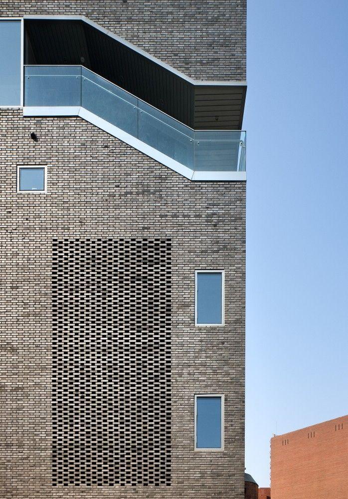 The Bricks / Doojin Hwang Architects