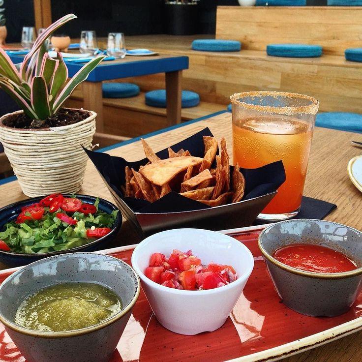 En güzel mutfak paylaşımları için kanalımıza abone olunuz. http://www.kadinika.com İstanbul'un en yeni ve en cool teraslarından @losaltosistanbul gerçek meksika mutfağı yemekleriyle bizi tanıştırdı ve Istanbul'daki eksiği kapattı bence Orjinal Meksika unu ile kendi tortillalarını yapıyorlar ne yiyeceğinize karar verirken başlangıçta salsa üçlüsü ve guacamole'yi mutlaka deneyin. Eğer acıya dayanıklıyım diyorsanız Michelada adındaki bira kokteyllerine de bir şans verebilirsiniz.  #mexicanfood…