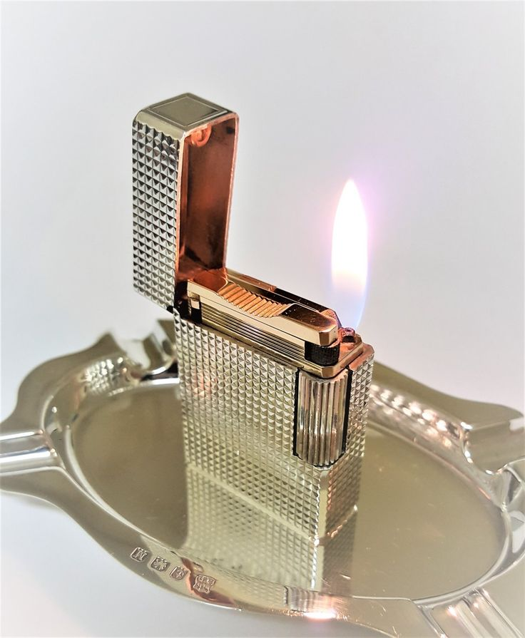 S.+T.+DUPONT+LIGHTER+~+DIAMOND+HEAD+~SILVER+AND+GOLD+~+SMALL+~+BOXED+~+EXCELLENT+!!!