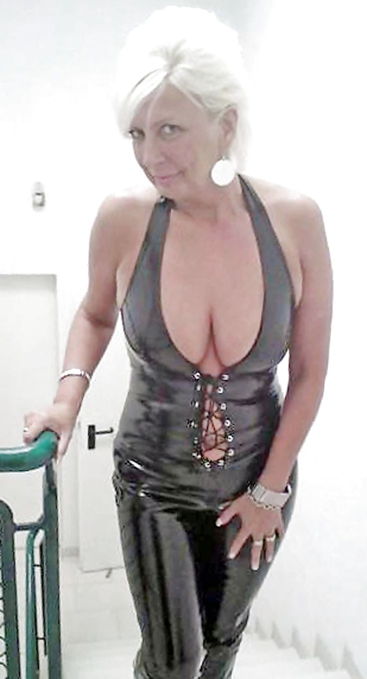 Sexy bdsm mature women