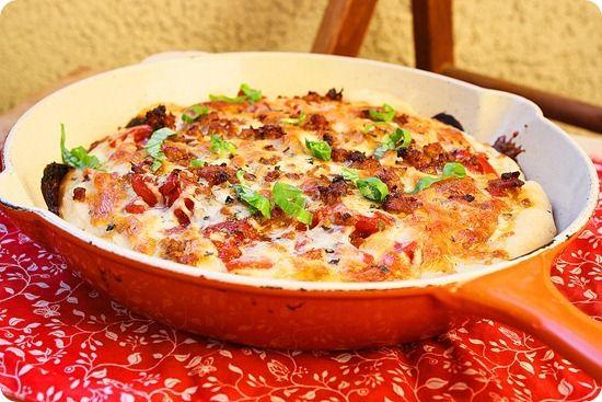 deep dish sausage pizzaDeep Dish Pizza, Pizza Recipe, Salad Recipe, Deep Dishes Pizza, Dishes Sausage, Cozy Com, Spinach Salads, Homemade Pizza, Sausage Pizza