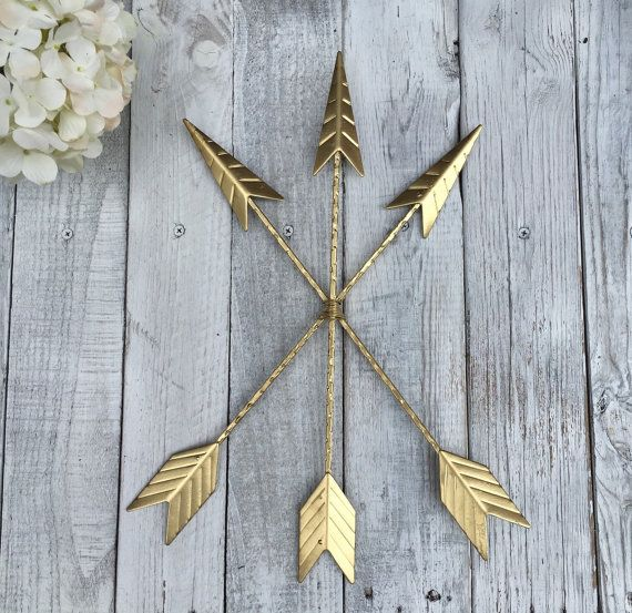 ♥♥♥ Modern and Gold ♥♥♥  This unique wall décor of three tribal arrows, that are bound together, would transform any wall in your home…it