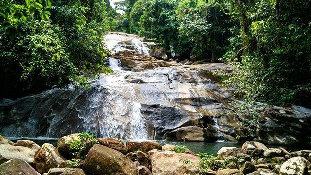 Riam Berasap Kecamatan sajingan besar Kabupaten sambas #mtma #love #natura #insta #backpack #sanggauledo #riam #kalvar #borneo #bengkayang #waterfall #watch #airterjun #hutan #hoby #pontianak #jasatambahfollowers #jalan #travel #TRAVELING #instalike #instagram #INDONESIA by erick_airlangga. watch #natura #kalvar #bengkayang #instalike #jalan #pontianak #sanggauledo #mtma #indonesia #jasatambahfollowers #backpack #riam #insta #hutan #hoby #waterfall #airterjun #travel #borneo #traveling…