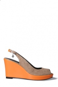 Orange special! Support our dutch sports team with our orange wedge €99.00 www.colettesol.com