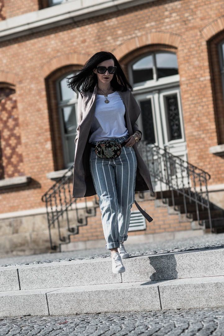 Reserved Look Gestreifte Mom-Jeans & Basics – Julies Dresscode   Fashion Trends, Outfits & Streetstyles