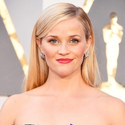 Hot: Reese Witherspoon Looks Exactly the Same in Her Legally Blonde Bikini 15 Years Later