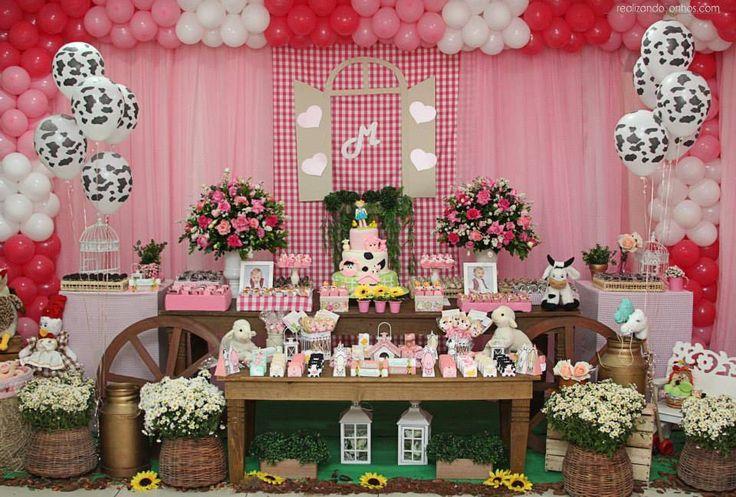OBuffet Planeta Encantado realizou uma linda festinha na cor rosa e cheia de animaizinhos. Por todo o salão era possível ver vaquinhas, ovelhas, patinhos e todos os tipos de bichinhos que podem se…