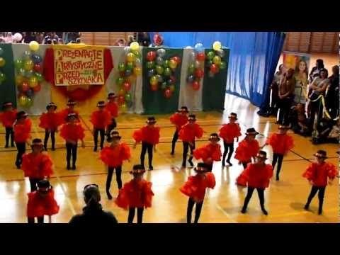 Średniaki tańczą na przeglądzie mix - YouTube
