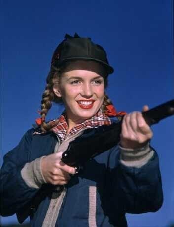 1946 Norma Jean chasse, pêche, skie par Richard C Miller