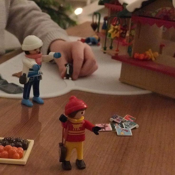 #weihnachtenmitkind ist so besonders! Wir feiern zum siebten Mal mit mindestens einem Kind und dieses Jahr sind es sogar drei! Zwei freuen sich sehr auf Heiligabend. Der 3-Jährige aber nicht wegen der Geschenke sondern weil er bei Oma schlafen will. Das wäre das erste Mal überhaupt dass er ohne uns übernachtet und ich würde mich freuen wenn es klappt.  Ob seine Augen glänzen wenn er die Geschenke unterm Baum sieht? Das ging beim 7-Jährigen schon ein bisschen verloren. Ist etwas nicht…