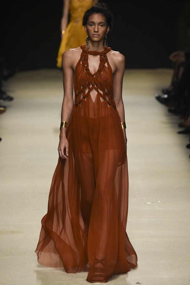 Alberta Ferretti Spring 2016 Ready-to-Wear Collection Photos - Vogue  http://www.vogue.com/fashion-shows/spring-2016-ready-to-wear/alberta-ferretti/slideshow/collection#52